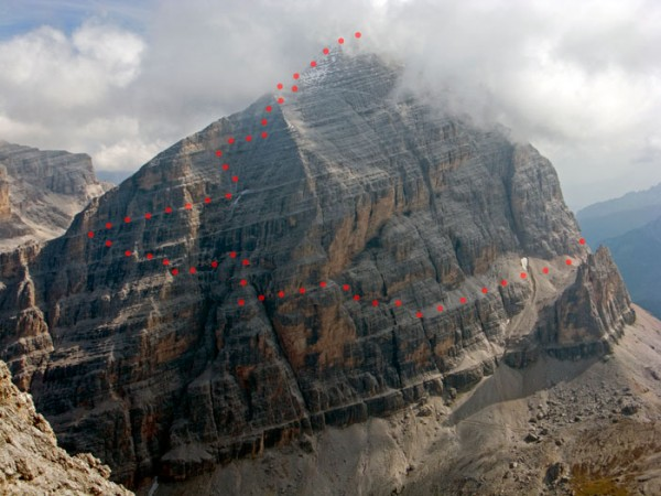 The route marked in red, as seen from VF Tomaselli, our next objective.